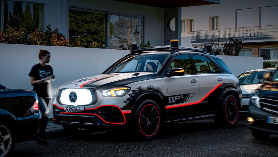 Mercedes представил экспериментальный автомобиль безопасности на базе GLE